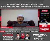 Berikut merupakan petikan Wacana Sinar Siri 267 bertajuk `Rohingya: Antara kemanusiaan dan kedaulatan` bersama Pengerusi Yayasan Keperihatinan Komuniti Malaysia (MCCF), Datuk Seri Halim Ishak.<br/><br/>UNTUK VIDEO PENUH SILA LAYARI:<br/>https://bit.ly/3j20EgB<br/><br/>Muzik: www.bensound.com<br/><br/>#SinarHarian #WacanaSinar #SinarUntukMalaysia #KitaLaluiBersama