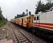 BRC WAP-5 LEADING HOWRAH-MALDATOWN EXPRESS AT A VERY LOW SPEED    INDIAN RAILWAY