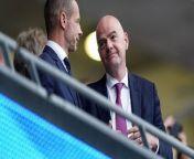FIFA-Präsident Gianni Infantino sieht den momentanen Matchkalender kritisch - und erwägt auch deshalb eine WM im Zweijahresrhythmus. Der 51-Jährige plädiert für Reformen ab 2024.
