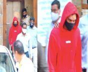 NCB takes Aryan Khan Friend Arbaaz Merchant for Medical Test in Drug Case. Watch Out<br/><br/>#ArbaazMerchant #AryanKhan#NCB